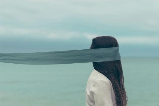 chica-ojos-vendados
