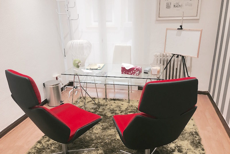 psicólogos Madrid centro, Aesthesis, despacho bonito, funcional, con ventana, del centro de Cibeles