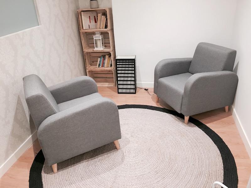 psicólogos Madrid centro, Aesthesis, despacho bonito, sencillo, en tonos grises, del centro de Cibeles