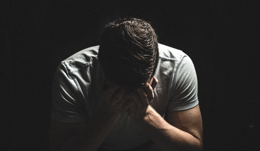En que consiste la Depresion, chico triste