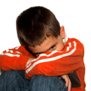 acoso escolar, bullying, niño llorando