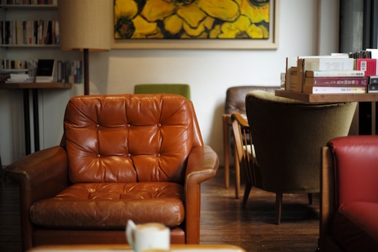 terapia psicologica, sillón en sala de psicoterapia, derechos de los pacientes