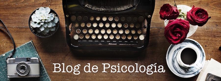 blog de psicologia, mesa con máquina de escribir